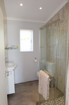 Paul Wallace Wines and Guest Cottages - Bathroom  - #0