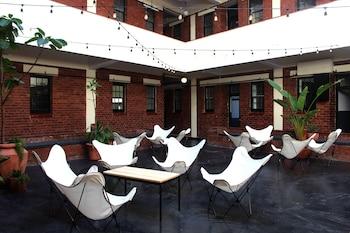 Curiocity Durban - Hostel - Courtyard  - #0