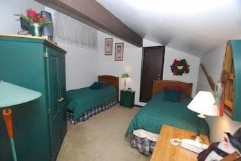 Wild Irishman 1 Bedroom Apartment by Key to the Rockies