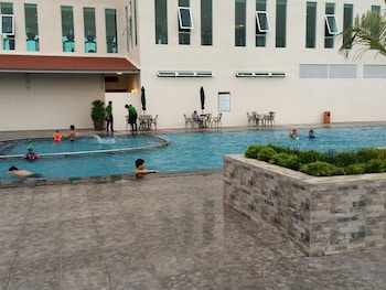 Dyvith Hotel - Outdoor Pool  - #0