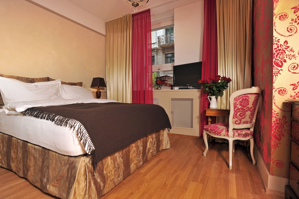 Photos Of - Townhouse Boutique Hotel