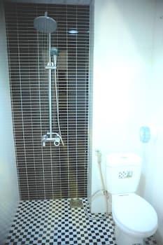 Lee Park Hotel - Bathroom  - #0