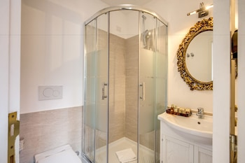 Eitch Borromini Palazzo Pamphilj - Bathroom  - #0