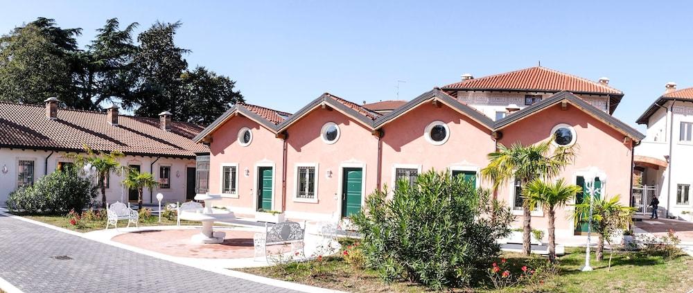 Vittoria Houses Relais