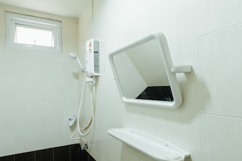 Cheaper Room - Bathroom  - #0