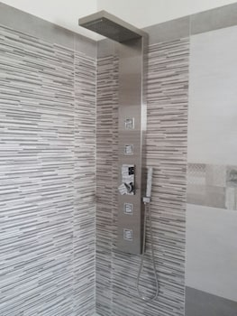 Mattandrè - Bathroom Shower  - #0
