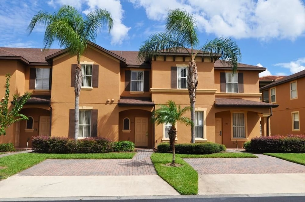 514 Regal Palms Townhome 4 Bedroom by Florida Star