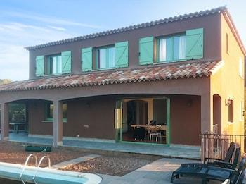 Photo for 4 Bedroom Villa 01189156 By HomeRez in Coggia