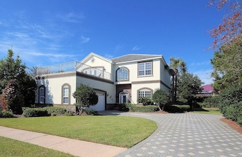 Photo for High Tide 7 Bedroom Apartment by BnD in Destin, Florida