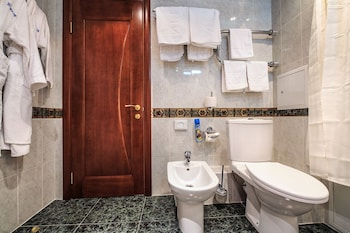 Hotel Berlin - Bathroom  - #0