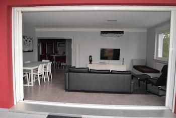 tarifs reservation hotels Une terrasse sur Pompidou