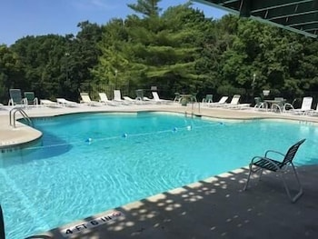 Water's Edge 20 2B 3 Bedroom Condo by Your Lake vacation