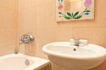 RedDoorz @ Mataram Kuta 3 - Bathroom  - #0