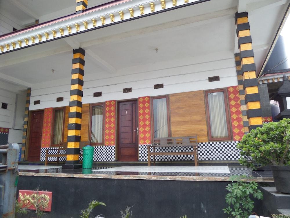 Rahayu Hotel