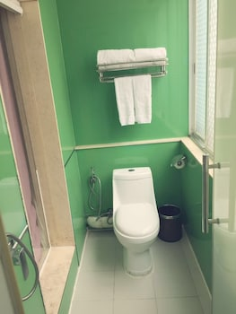 Xinghe Xinfeng Hotel - Railway Station - Bathroom  - #0