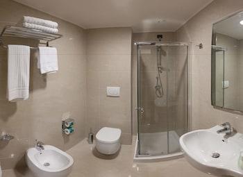 BV President Hotel - Bathroom  - #0