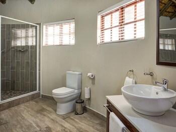Finfoot Lake Reserve - Bathroom  - #0