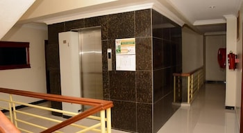 La Posh Hotel - Hallway  - #0