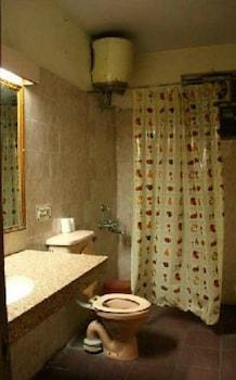YMCA Tourist Hostel - Bathroom  - #0