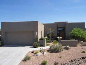 Troon Monument By Signature Vacation Rentals