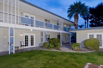Old School By Signature Vacation Rentals