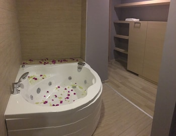 Boutique Suite Mim A - Jetted Tub  - #0