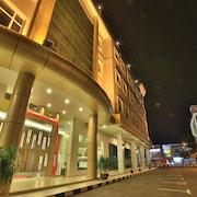 蘇普利姆飯店