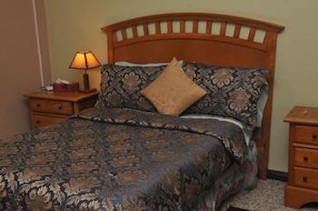 Mokos Bed & Breakfast
