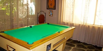 Old Vic Traveller's Inn - Hostel - Billiards  - #0