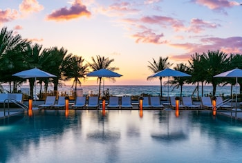 ノブ ホテル マイアミ ビーチ