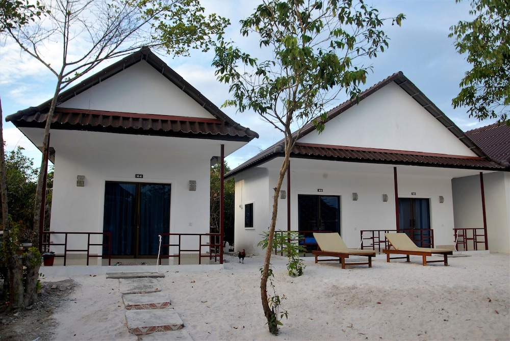 Home Stay Resort