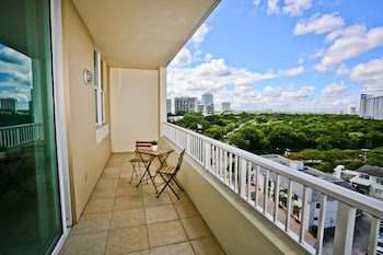Nuovo Miami Apartments at One Broadway Brickell - Aerial View  - #0
