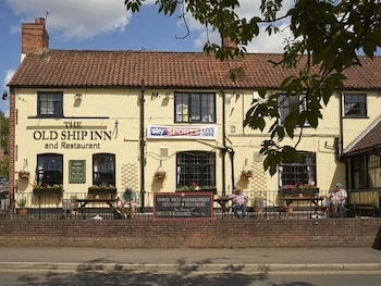The Old Ship Inn - Hotel Front  - #0