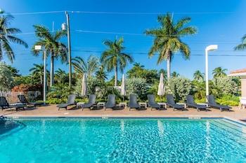 Santa Barbara Villas by RealEstate Gizmo