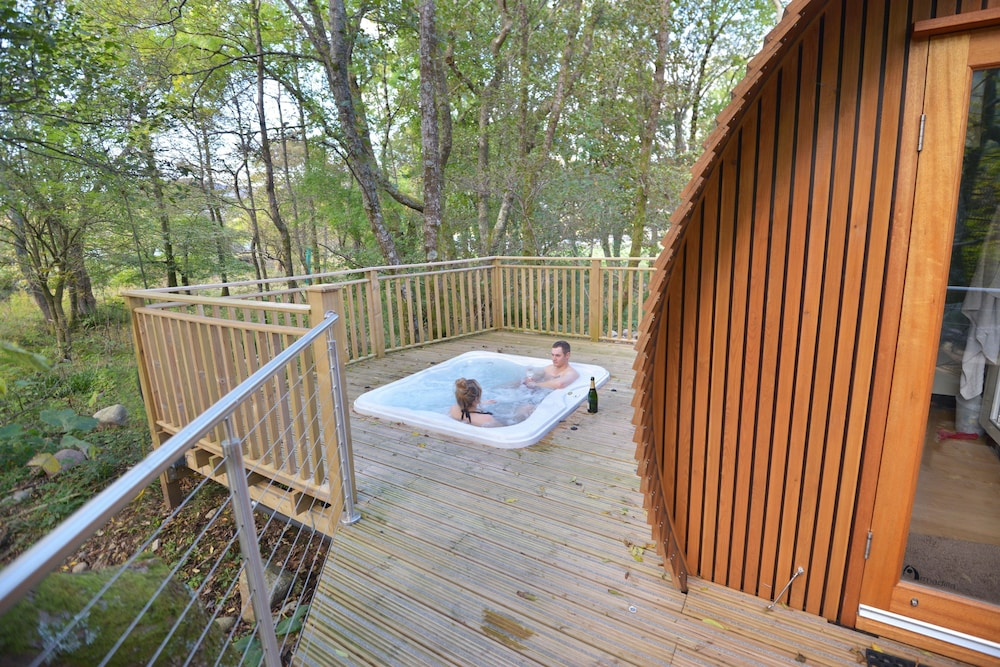 RiverBeds Lodges with Hot Tubs