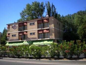 Photo for Hostal El Paraíso in Santa Marta de Tormes