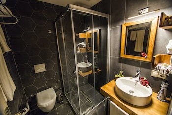 Kuzen Otel - Adults Only - Bathroom  - #0