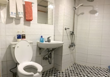 J Motel - Bathroom  - #0