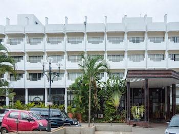 巴勒旅居 OYO 5861 號飯店