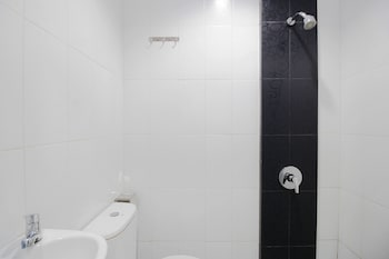 Airy Batam Center Mitra Raya Blok A 16 Batam - Bathroom  - #0