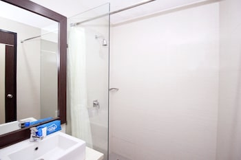 Airy Padang Barat Sudirman - Bathroom  - #0