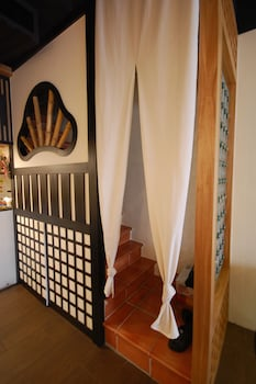 Hananoi Bed and Breakfast - Staircase  - #0