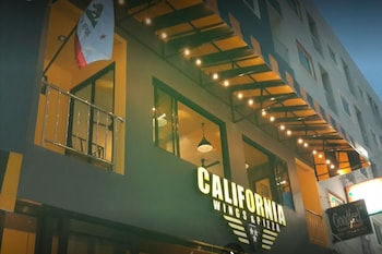 California Wings and Pizza Hotel - Exterior  - #0