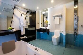 Blue Boat Design Hotel - Bathroom  - #0