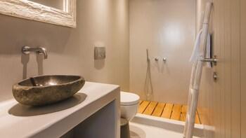 Acropolis Luxury Apartments - Bathroom  - #0
