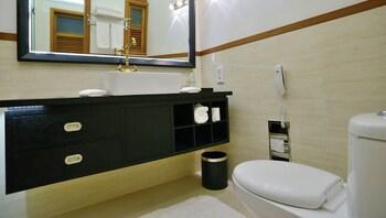 Marina Boutique Hotel - Bathroom  - #0