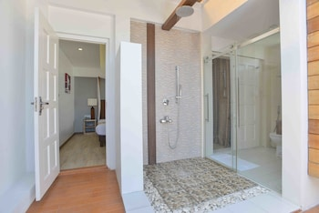 Coconut Tree Hulhuvilla Beach - Bathroom  - #0