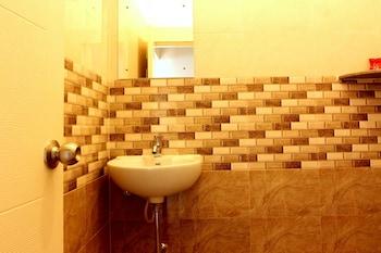 OYO Flagship Mararthahalli Innovative multiplex - Bathroom  - #0