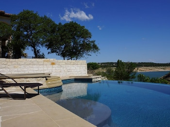 Lakeway Lago Villa Lake Travis Deep Cove with Beautiful Pool by RedAwn