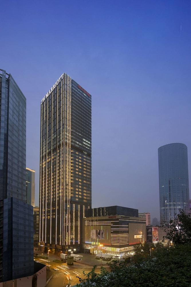 10 Best Luxury Hotels In Chengdu